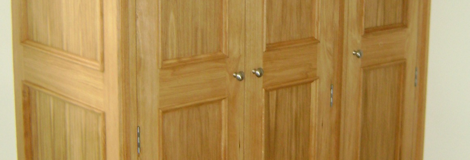 Traditional Oak Wardrobe